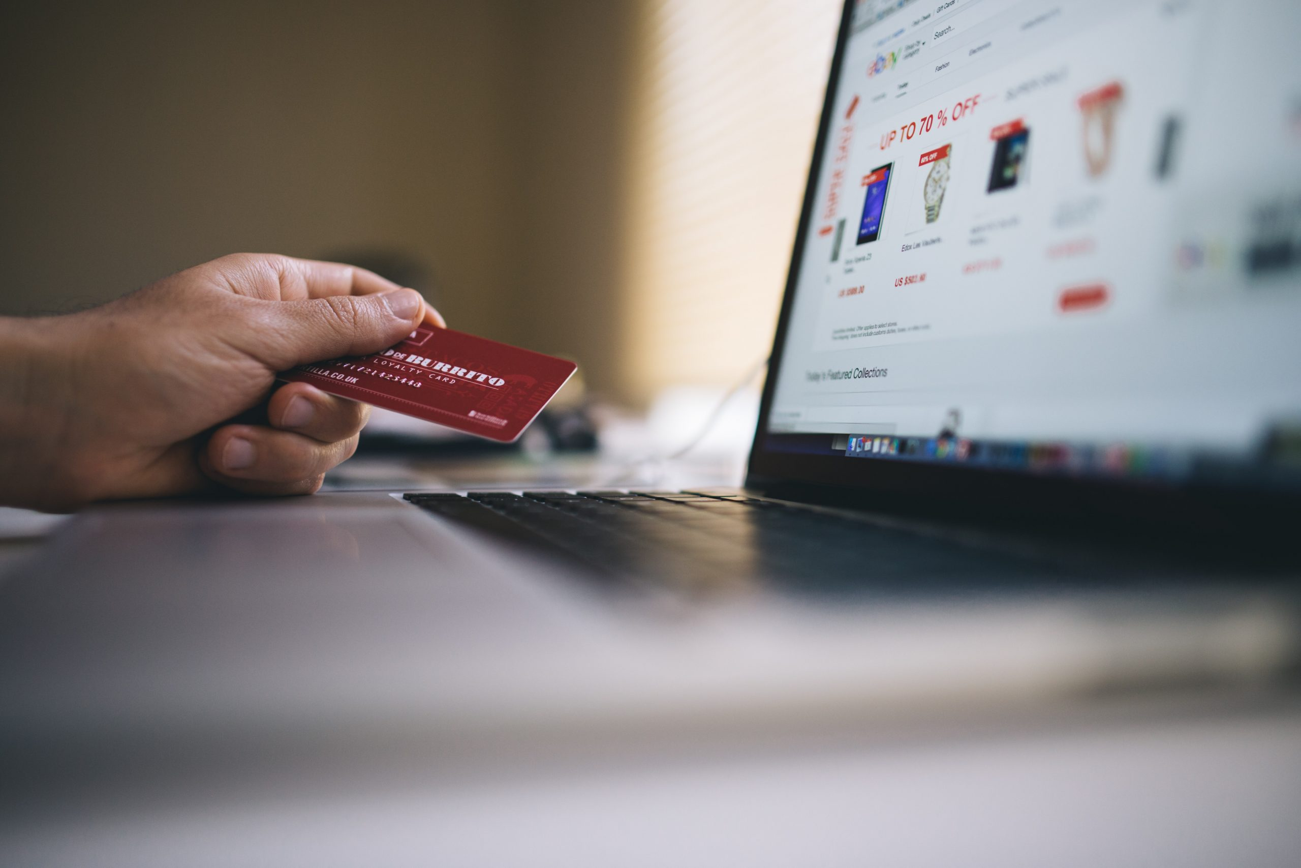 shopping experience in ecommerce stores